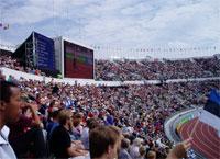 Lo stadio di Helsinki è strapieno in ogni ordine di posti anche di mattina